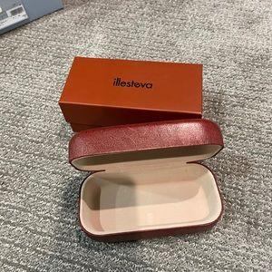 Illesteva sunglasses box and case